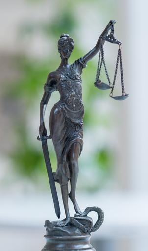 Grafik Justizia LHRA Leitner Hirth Rechtsanwälte Graz lhra.at